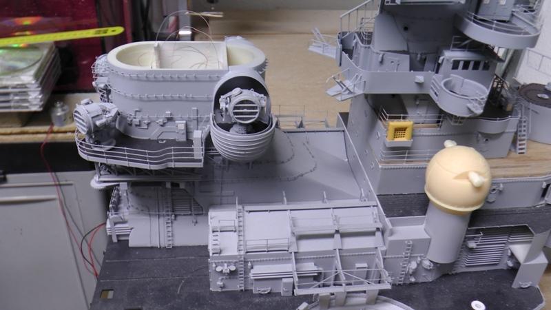 Bismarck 1:100 nur die Aufbauten  - Seite 18 S1370024