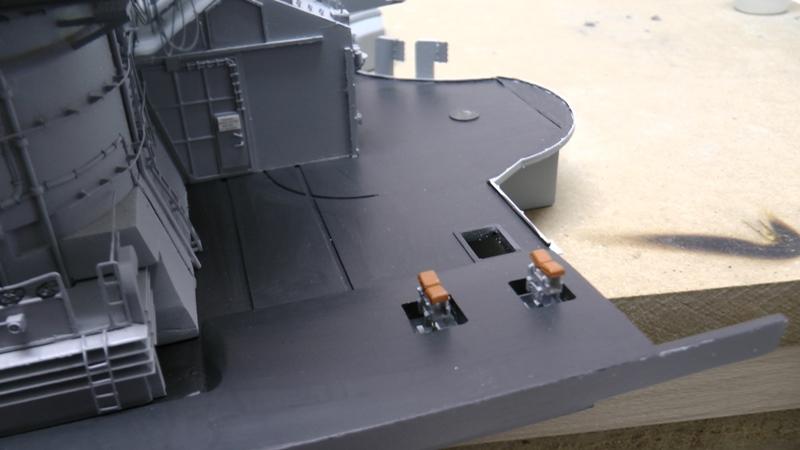 Bismarck 1:100 nur die Aufbauten  - Seite 19 S1460011