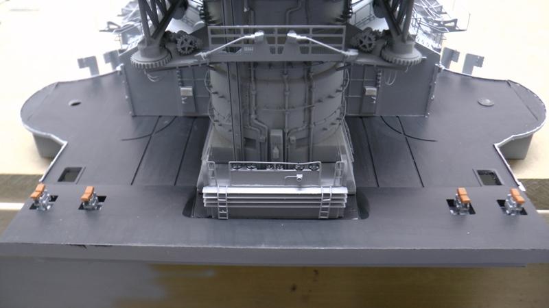 Bismarck 1:100 nur die Aufbauten  - Seite 19 S1460012
