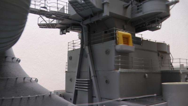 Bismarck 1:100 nur die Aufbauten  - Seite 19 S1480012