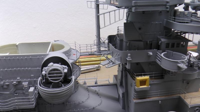 Bismarck 1:100 nur die Aufbauten  - Seite 19 S1510012