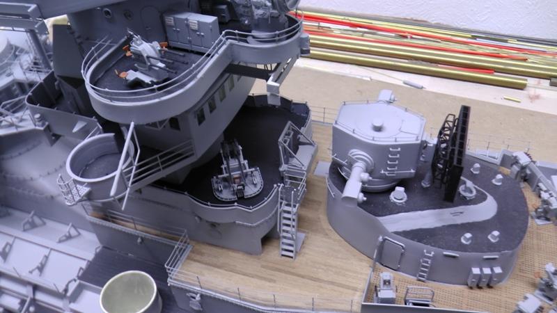 Bismarck 1:100 nur die Aufbauten  - Seite 19 S1510015
