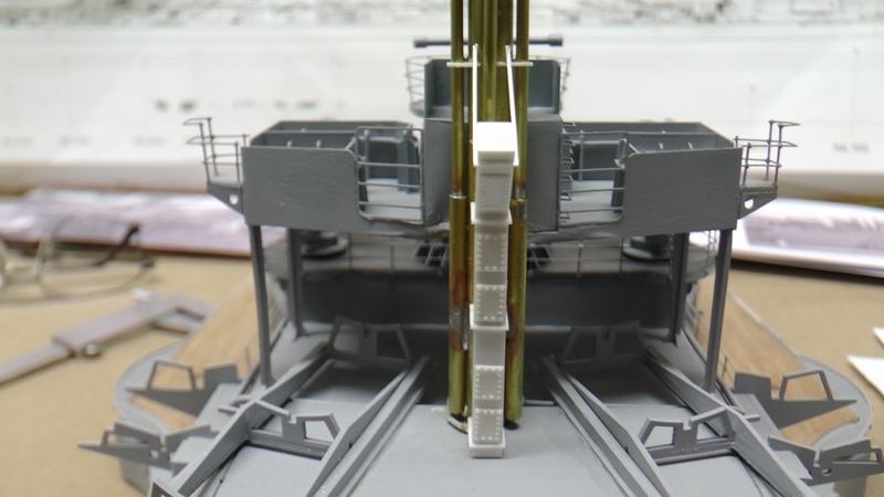 Bismarck 1:100 nur die Aufbauten  - Seite 19 S1590023