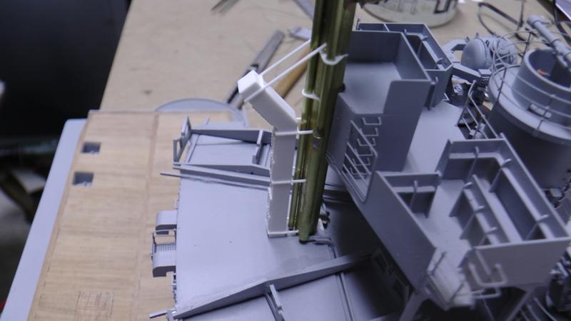 Bismarck 1:100 nur die Aufbauten  - Seite 19 S1590024