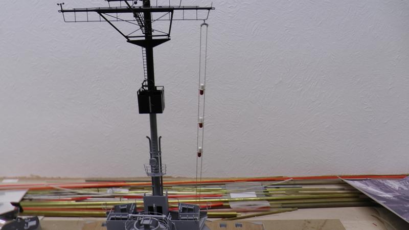 Bismarck 1:100 nur die Aufbauten  - Seite 19 S1630014