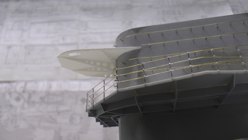 Flugzeugträger Graf Zeppelin 1:100 - Seite 35 S2140012
