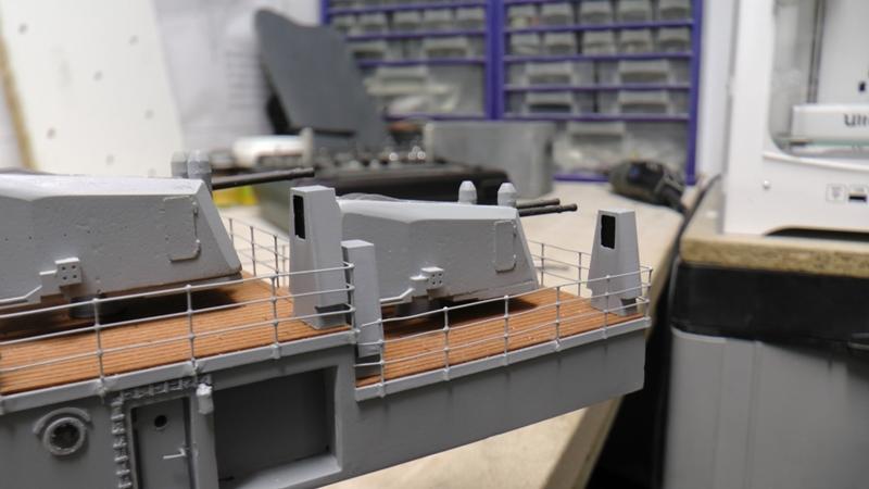 Flugzeugträger Graf Zeppelin 1:100 - Seite 36 S2440026