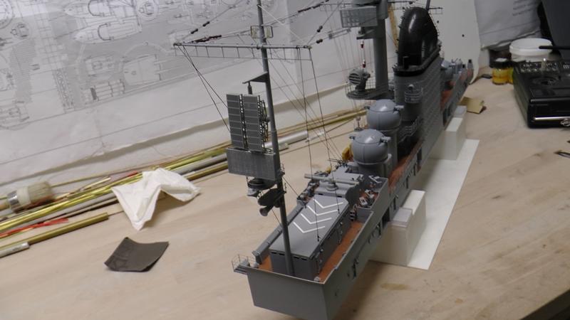 Flugzeugträger Graf Zeppelin 1:100 - Seite 36 S2440040