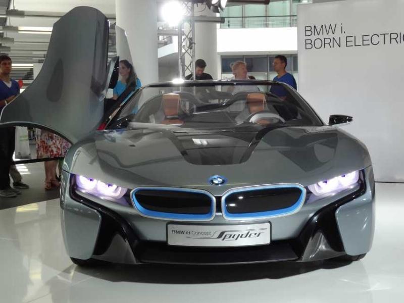 BMW-i8, RC-Fertigmodell Dsc00713