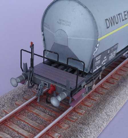 Kohlensäure-Kesselwagen, 1:45 vom ADW-Verlag Dsc02638