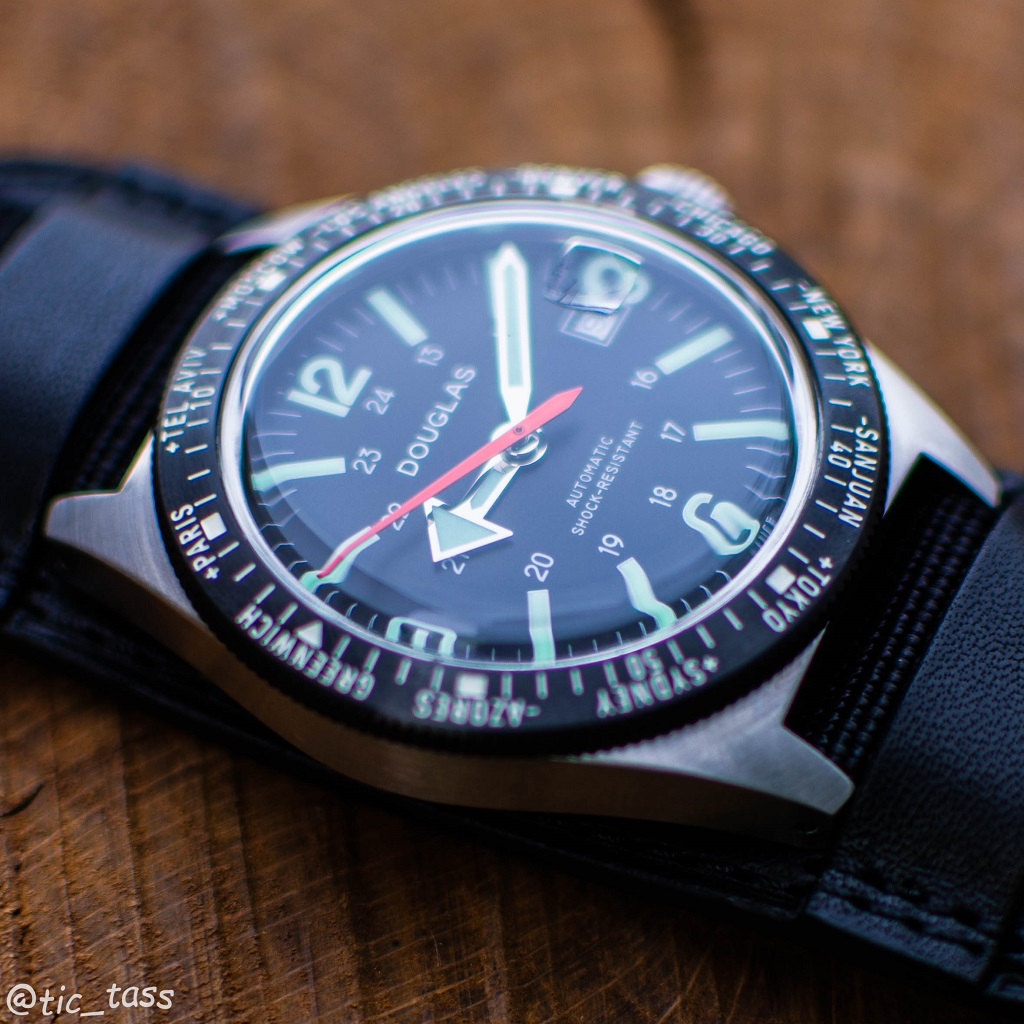 [Revue]Douglas Skindiver Worldtimer Professional X-15 Edition _dsc5520
