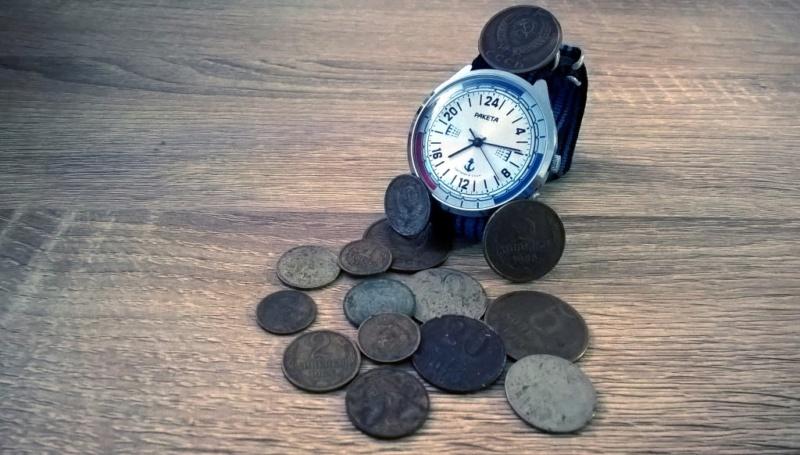 Nos montres avec un objet russe ou soviétique Raketa10