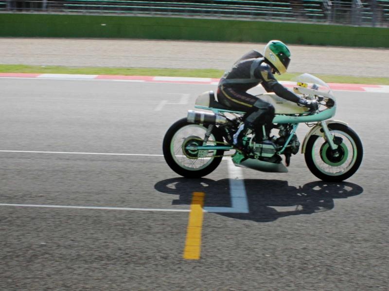 Ducati Twins à Couples Coniques : C'est ICI - Page 2 200_mi10