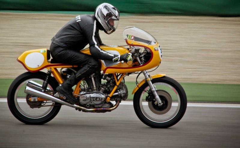 Ducati Twins à Couples Coniques : C'est ICI - Page 2 200_mi14