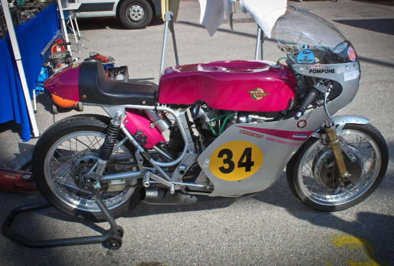 Ici on balance les Monos Ducati - Page 5 200mig10