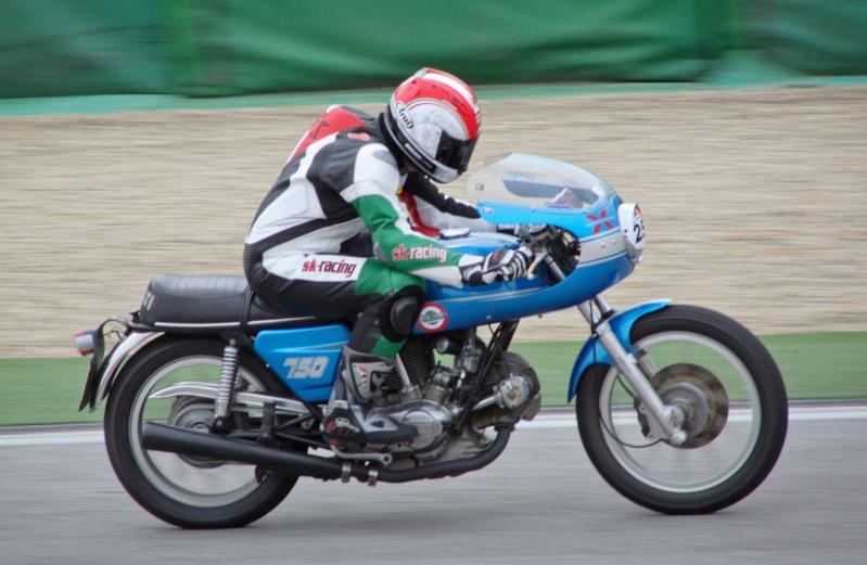 Ducati Twins à Couples Coniques : C'est ICI - Page 6 200mig12