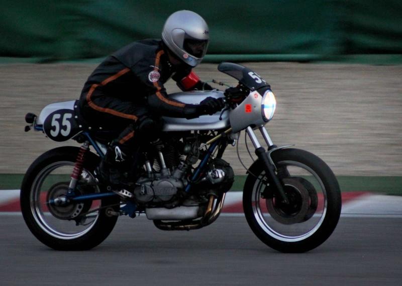 Ducati Twins à Couples Coniques : C'est ICI - Page 6 200mig13