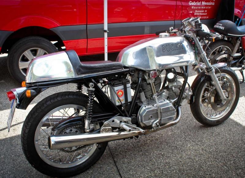 Ducati Twins à Couples Coniques : C'est ICI - Page 6 200mig71