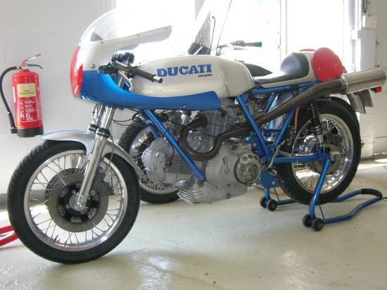 Ducati Twins à Couples Coniques : C'est ICI - Page 2 57959310