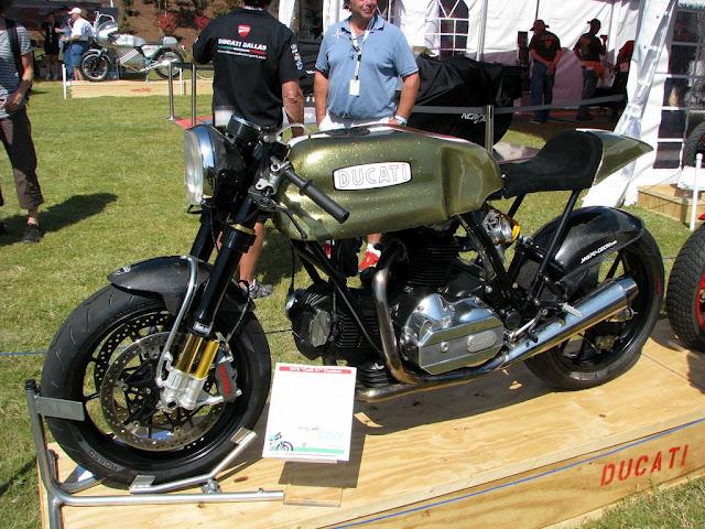 Ducati Twins à Couples Coniques : C'est ICI - Page 2 62486010