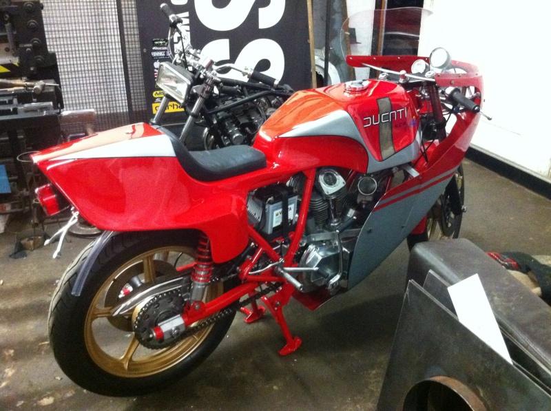 Ducati Twins à Couples Coniques : C'est ICI - Page 4 66503610