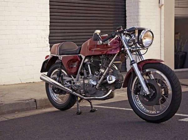 Ducati Twins à Couples Coniques : C'est ICI - Page 2 74-duc10