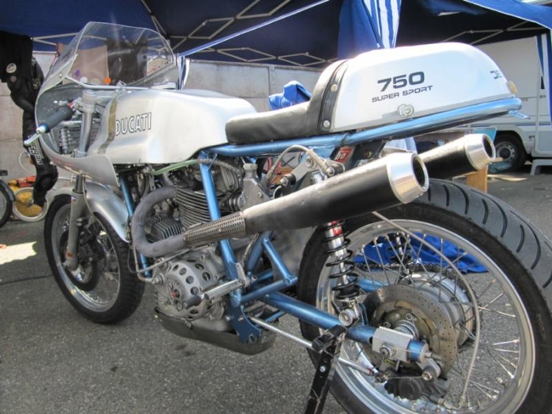 Ducati Twins à Couples Coniques : C'est ICI - Page 2 750ss_11