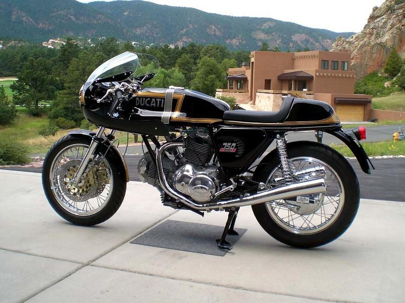 Ducati Twins à Couples Coniques : C'est ICI - Page 2 96195010
