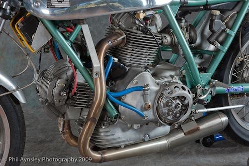 les plus beaux moteurs - Page 11 B469a_10