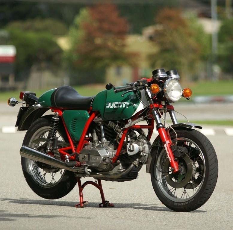 Ducati Twins à Couples Coniques : C'est ICI - Page 2 Bkdchu10