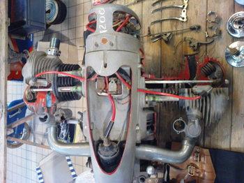les plus beaux moteurs - Page 12 Dsc00610