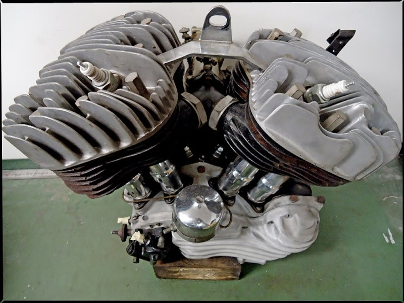 les plus beaux moteurs - Page 11 Dsc02410