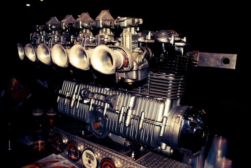 les plus beaux moteurs - Page 12 Dsc_0410