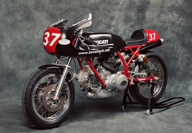 Ducati Twins à Couples Coniques : C'est ICI - Page 2 Ducati13