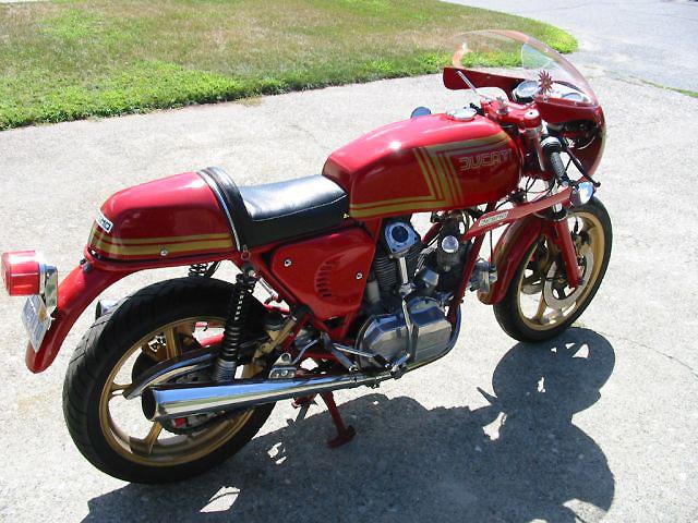 Ducati Twins à Couples Coniques : C'est ICI - Page 2 Ducati18