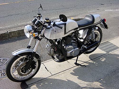 Ducati Twins à Couples Coniques : C'est ICI - Page 6 Ducati52