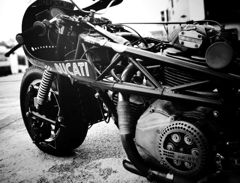 Ducati Twins à Couples Coniques : C'est ICI - Page 6 Ducati62