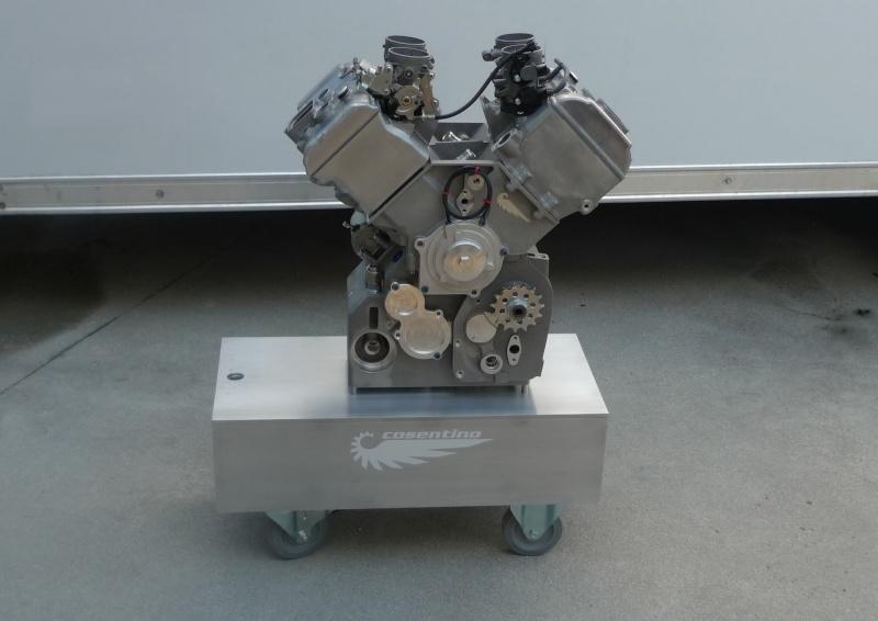 les plus beaux moteurs - Page 12 Engine16