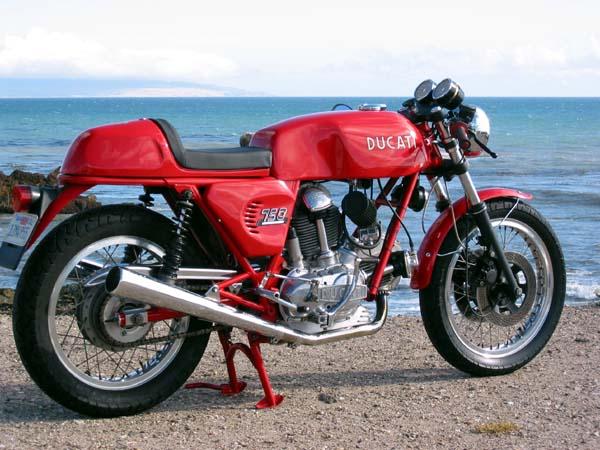 Ducati Twins à Couples Coniques : C'est ICI - Page 2 Gg750s10