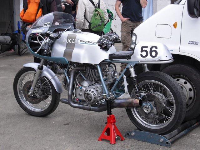 Ducati Twins à Couples Coniques : C'est ICI - Page 4 Hamesb10
