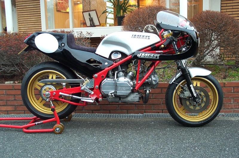 Ducati Twins à Couples Coniques : C'est ICI - Page 2 Harris10
