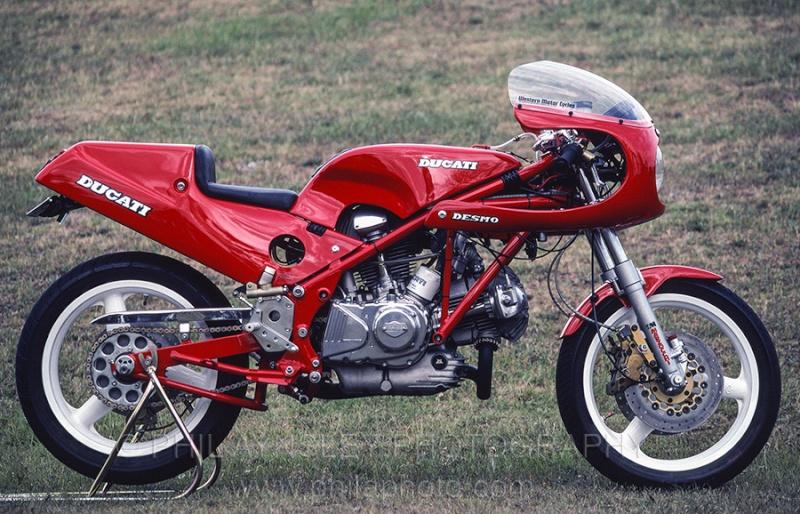 Ducati Twins à Couples Coniques : C'est ICI - Page 4 Harris12