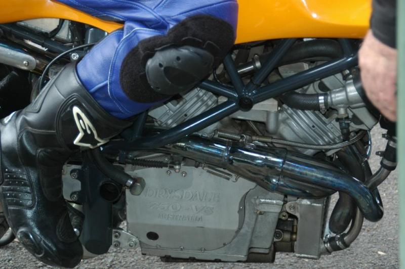 V8 Hbbb0113