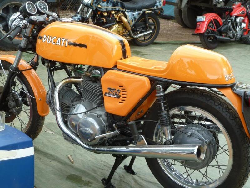 Ducati Twins à Couples Coniques : C'est ICI Lucy0211