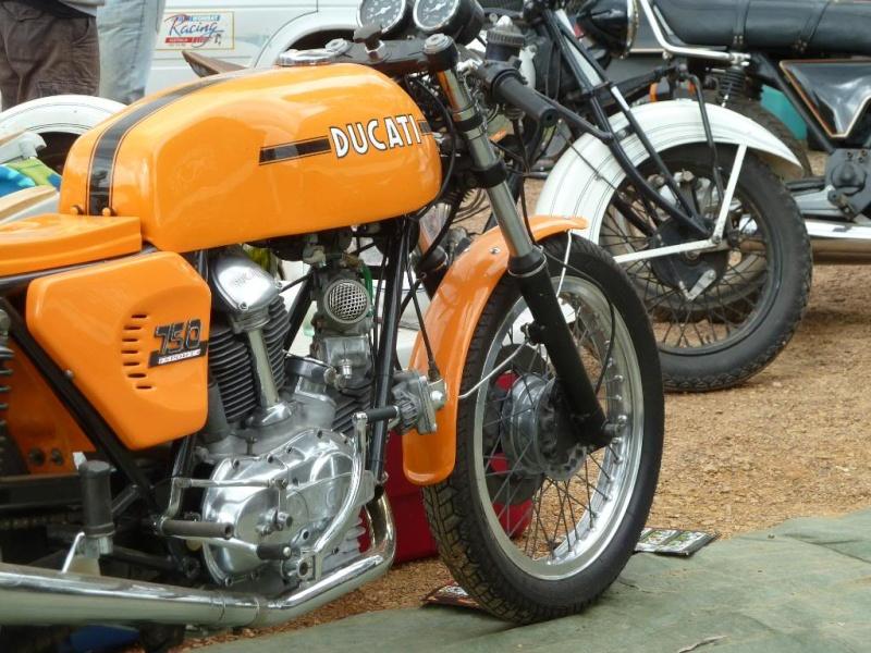Ducati Twins à Couples Coniques : C'est ICI Lucy0311