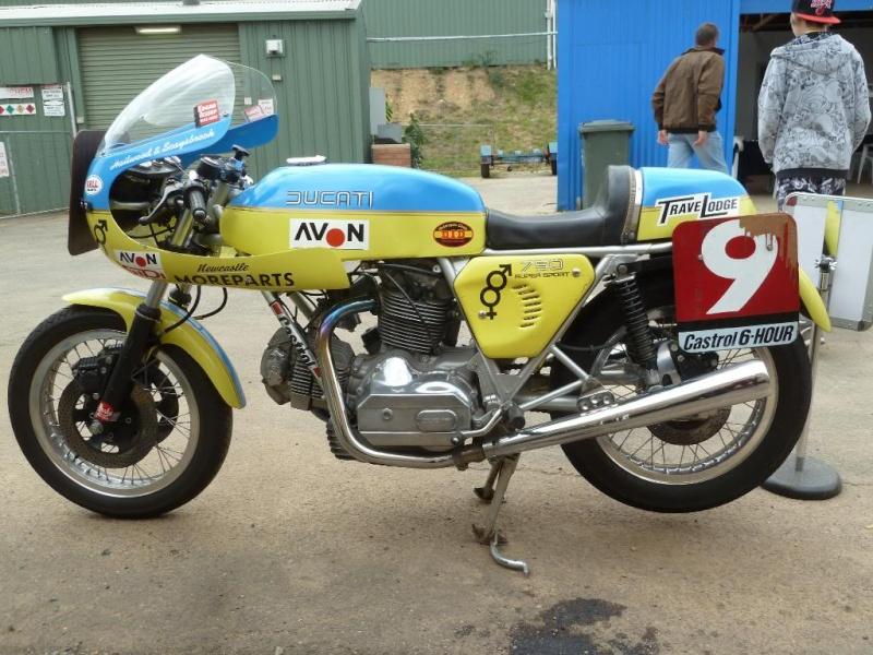 Ducati Twins à Couples Coniques : C'est ICI Lucy0410