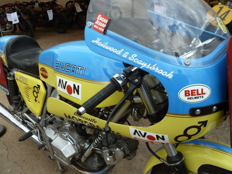 Ducati Twins à Couples Coniques : C'est ICI Lucy0411