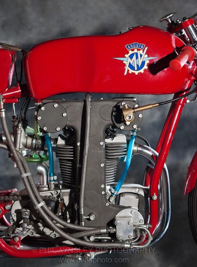 les plus beaux moteurs - Page 12 Pa-20112