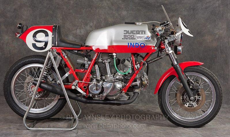 Ducati Twins à Couples Coniques : C'est ICI - Page 3 Pa_duc10