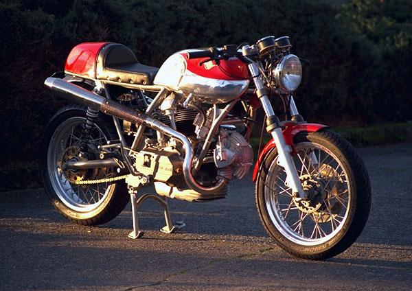 Ducati Twins à Couples Coniques : C'est ICI - Page 3 Veloce10